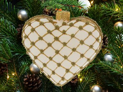 Set of hearts golden white -  8 x 7 cm 6 pcs glass christmas balls